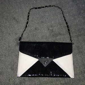 Cache clutch/ bag on chain